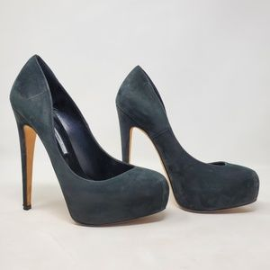 Brian Atwood Womens Round Toe Black Pumps